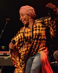 Yvonne Mwale - live pure Energie
